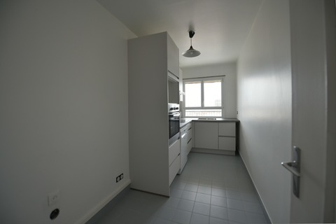 Location APPARTEMENT    à PARIS 13eme