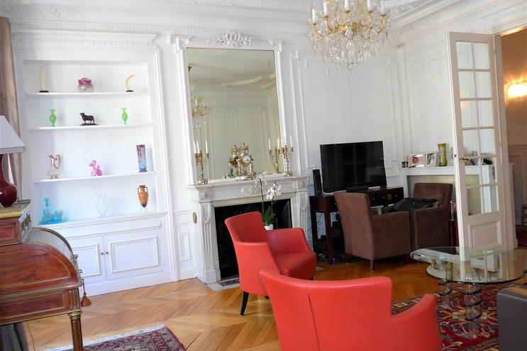 Vente APPARTEMENT 5 pieces   à PARIS 9eme