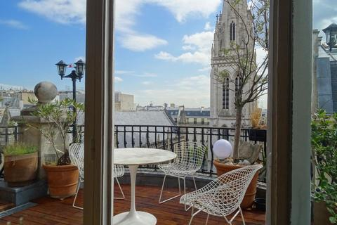 APPARTEMENT 185m2 6 pieces  secteur TRIANGLE D'OR - avenue Marceau