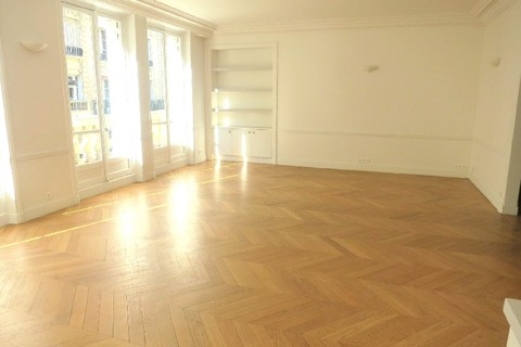 Location APPARTEMENT  210m2  à PARIS 17eme