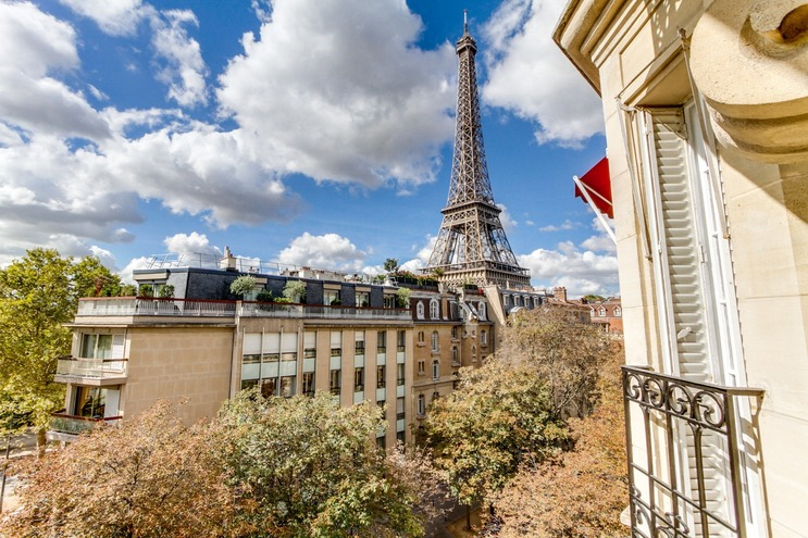 APPARTEMENT comprenant 5 pieces  5 pieces secteur TOUR EIFFEL - Champ de Mars