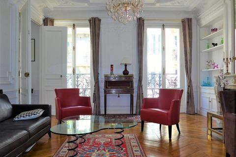 APPARTEMENT comprenant 5 pieces   à PARIS 9eme