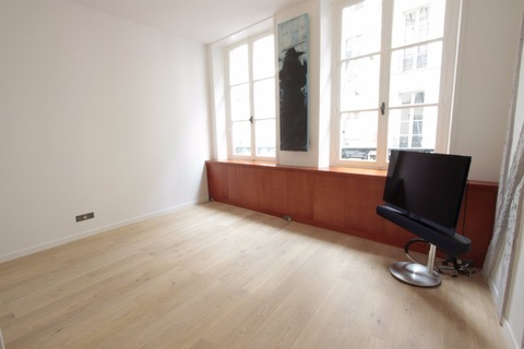 Vente APPARTEMENT comprenant 3 pieces 95m2 3 pieces secteur SAINT-GERMAIN-DES-PRES - Rue du Dragon