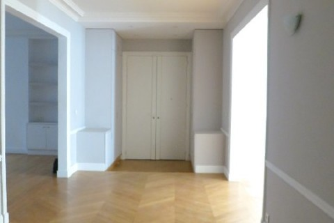APPARTEMENT 8 pieces   secteur COURCELLES